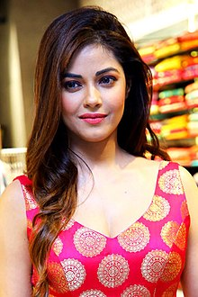 Meera Chopra snapped at the launch of Jashn's Fall-Winter 2018 Collection in Delhi (04) (cropped).jpg
