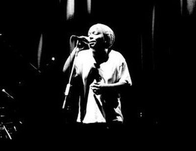 Picture of a band or musician: Me'shell Ndegéocello