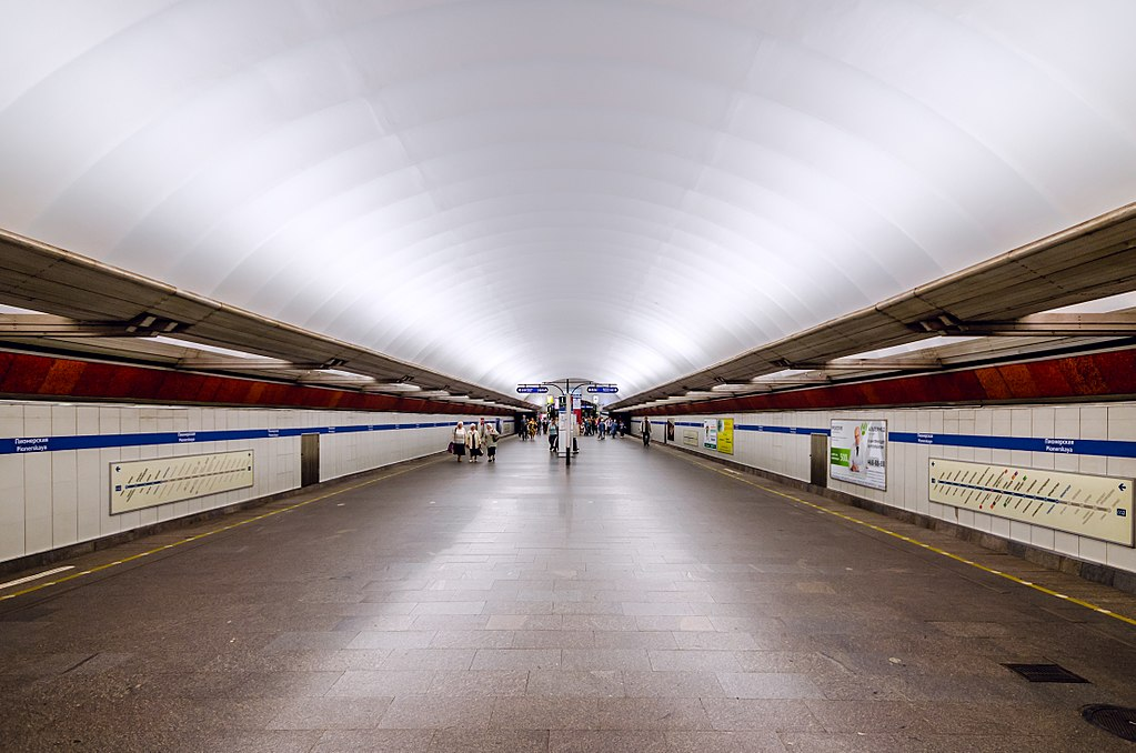 Станцию метро «Пионерская» открыли для пассажиров