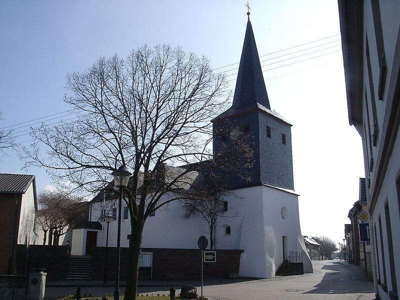File:Miel Kirche.jpg
