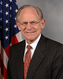 Mike Castle official portrait.jpg