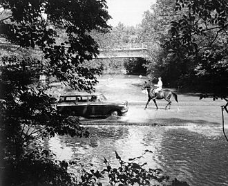 Ford (crossing) - Crossing the Milkhouse ford through Rock Creek in 1960