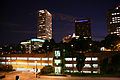 Milwaukee (WIS) LakeFront US Bank Center- vue de nuit.jpg