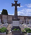 Monument aux morts cimetière Sainte-Croix à Bernay (Eure).jpg