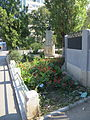 Monumentul eroilor - Uverturii (1) - lateral.JPG