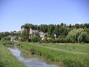 Mortagne-sur-Gironde - The falaises mortes, close to the port