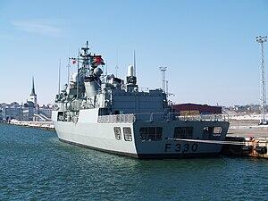 NRP Vasco da Gama (F330) in Tallinn.JPG