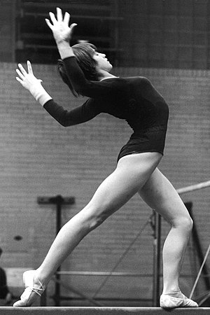 English: Romanian gymnast Nadia Comaneci durin...