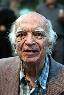 Najaf Daryabandari Iranian writer