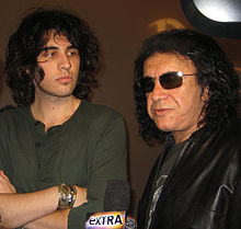 Nick Simmons Gene Simmons SD Hard Rock 2009.jpg