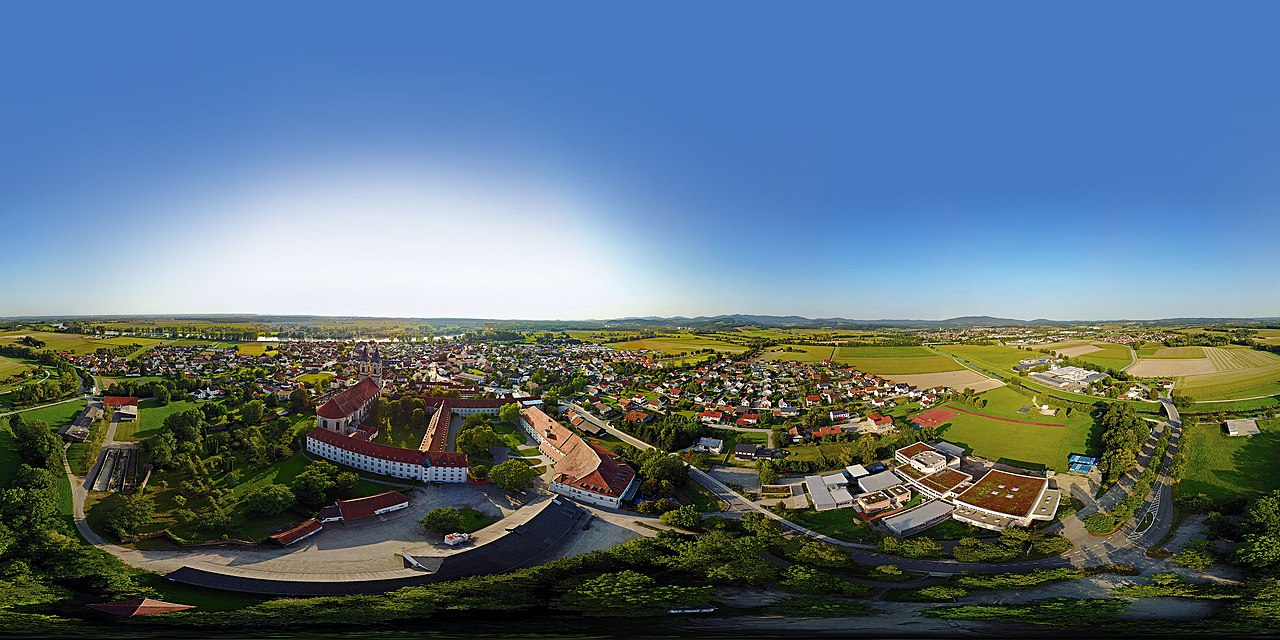 a 360° Equirectangular Panorama of the village of Niederalteich and the nearby Niederaltaich Abbey