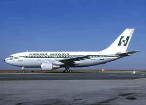 Nigeria Airways A310-200 5N-AUE CDG 1985-5-3.png