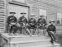 Leden van de North West Mounted Police in Yukon Territory in 1900