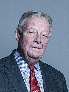 Michael Walker, Baron Walker of Aldringham Army officer (born 1944)