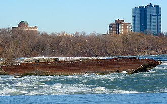 Niagara Scow - Image: Old scow wrecked in 1918 just above Niagara Falls