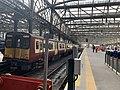 On platform in Glasgow Central railway station 04.jpg
