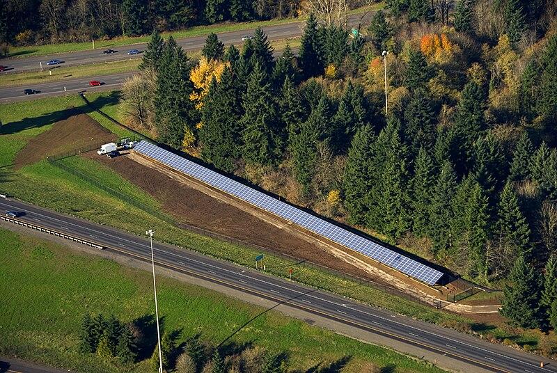File:Oregon I-5, I-205 interchange solar highway (2008-12-04).jpg