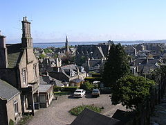 Overlooking central Broughty Ferry - geograph.org.uk - 9682.jpg