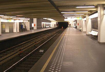Hoe gaan naar Gribaumont met het openbaar vervoer - Over de plek