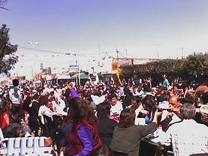 Español: Comunidad parroquial celebrando fiest...