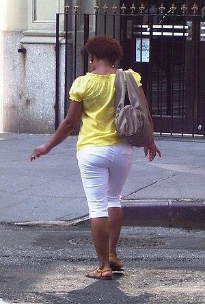 Capri pants - Woman wearing pedal pushers (Manhattan, 2011)
