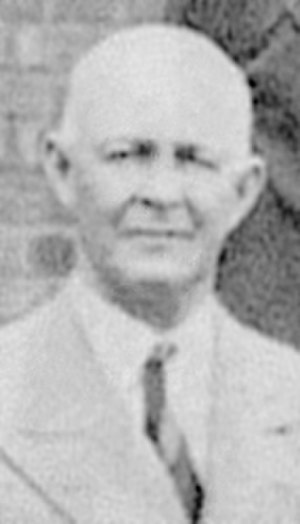 Wally Hammond - Pelham Warner, pictured in 1933, was a supporter of Hammond throughout his career and instrumental in his appointment to the England captaincy.
