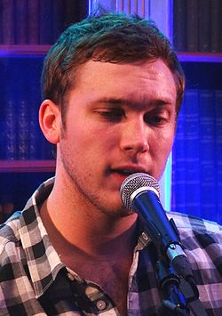Phillip Phillips in Paris, March 2013.jpeg