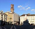 Piazza Cavour e monumento P1160049.JPG