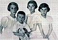 Piccoli conti Calvi di Bergolo, figli della principessa Iolanda di Savoia.jpg
