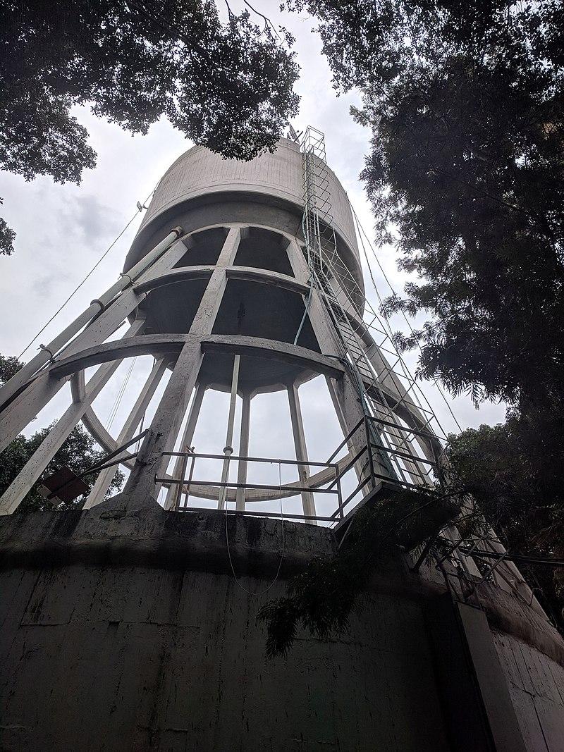 מגדל המים במרכז רעננה