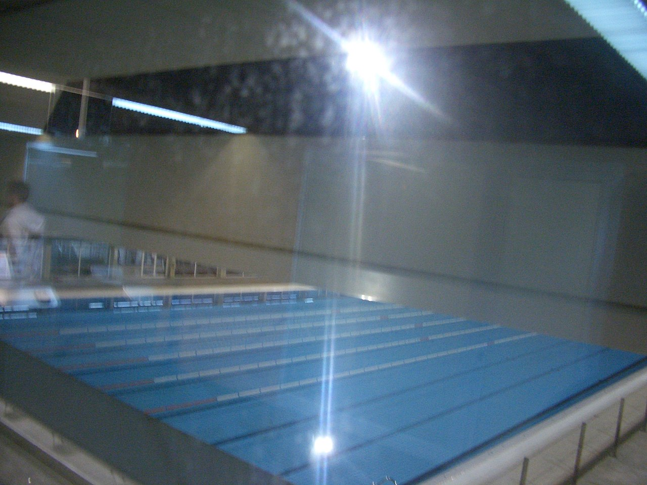File piscina olimpica barcelona wikimedia commons for Piscina olimpica barcelona