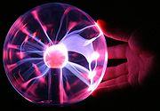 http://upload.wikimedia.org/wikipedia/commons/thumb/7/71/Plasma_lamp_touching.jpg/180px-Plasma_lamp_touching.jpg