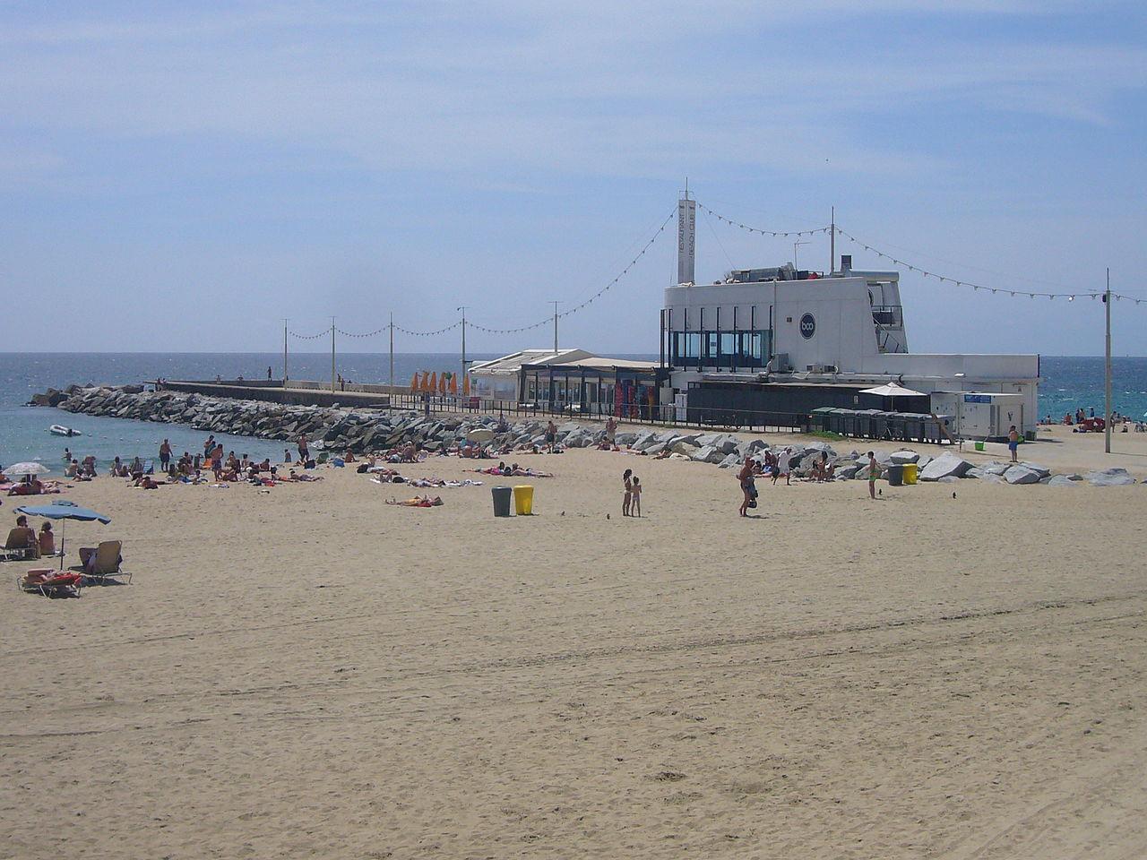 File:Platja de la Nova Mar Bella and Boo Restaurant and Beach Club.JPG - Wiki...