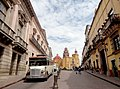 Plaza de la Paz, Guanajuato Capital, Guanajuato - Autobús.jpg