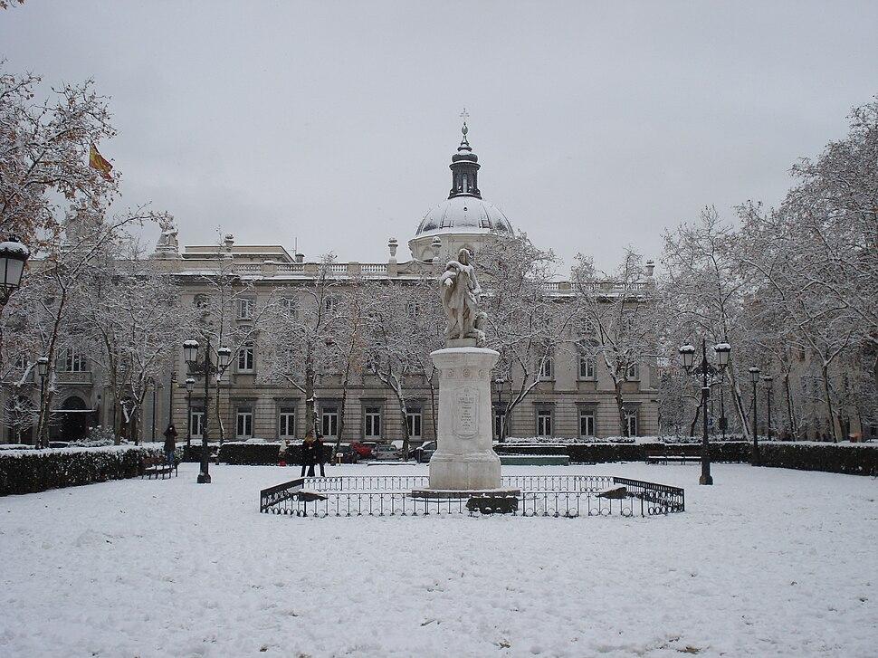 Plaza de la Villa de París—Snow01