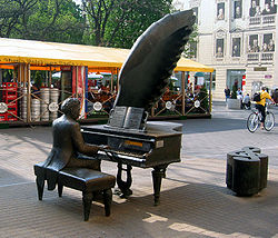 Sculpture of Artur Rubinstein on Piotrkowska Street in Łódź