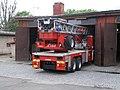 Praha, hasičská stanice Argentinská, výsuvný žebřík AX 22-65 (výjezd 1).jpg