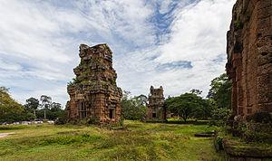 Prasat Suor Prat - Image: Prasat Suor Prat, Angkor Thom, Camboya, 2013 08 16, DD 01