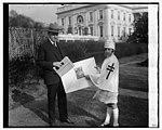 Pres. Coolidge, Adrienne Mayer, 11-28-25 LCCN2016841431.jpg