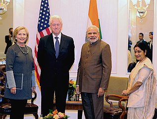 Prime Minister Modi meets Bill and Hillary Clinton.jpg