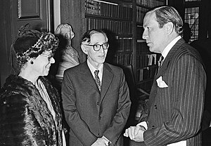 Aaron Klug - From right to left: Prince Claus of the Netherlands, Aaron Klug and his wife Liebe Bobrow, 1979