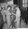 Prinses Beatrix bezocht de Nationale Beroepsmanifestatie te Utrecht, Bestanddeelnr 915-1344.jpg