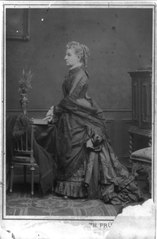 Profile portrait of Louisa Rodgers Meigs, standing, facing left LCCN2004680481.tif