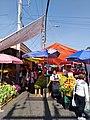 Puestos de fruta en el Mercado Alberto Gomez.jpg