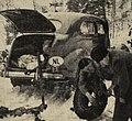 Rallye Monte Carlo 1938, l'équipage néerlandais Van Strien et Schade pose des chaines sur leur Ford, à Stavenger.jpg