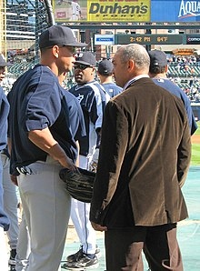 8342f6702 Reggie Jackson speaks with Alex Rodriguez during the 2006 season.
