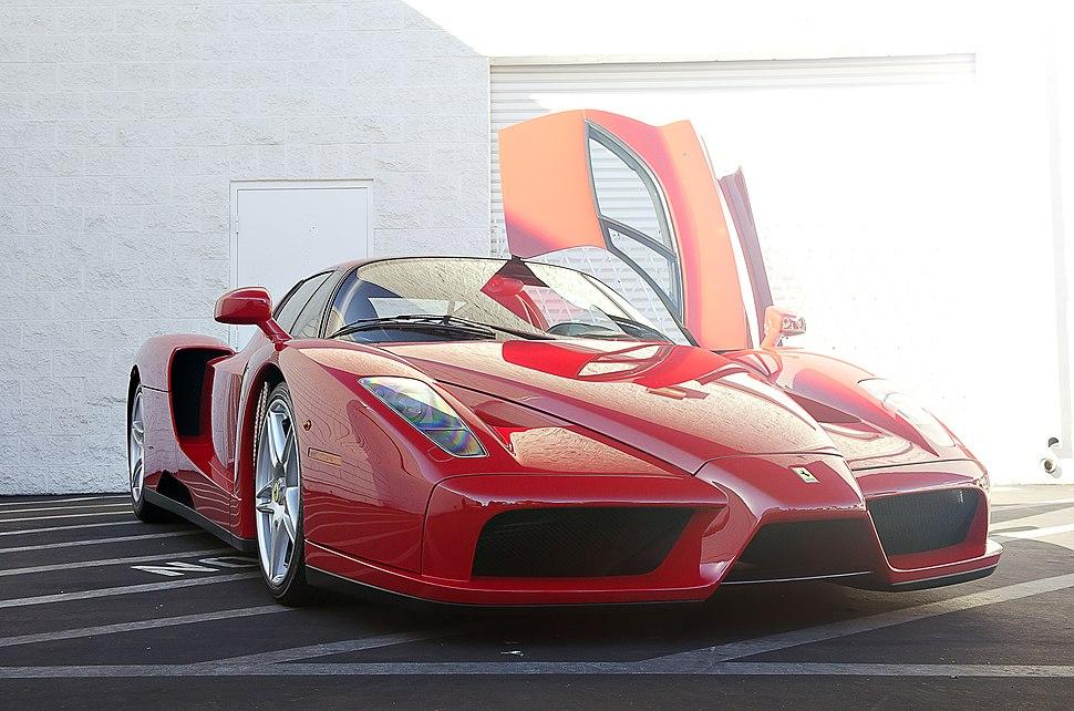 Rosso Corsa Enzo Ferrari (12627608043)