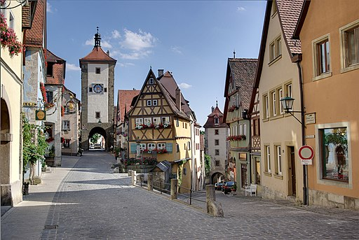 Rothenburg-ob-der-Tauver By Berthold Werner via Wikimedia Commons