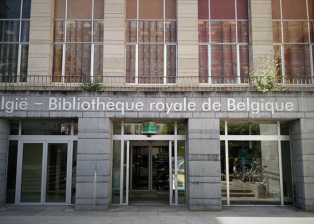 https://upload.wikimedia.org/wikipedia/commons/thumb/7/71/Royal_Library_of_Belgium%2C_main_entrance.jpg/640px-Royal_Library_of_Belgium%2C_main_entrance.jpg