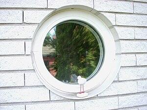Runt fast fönster